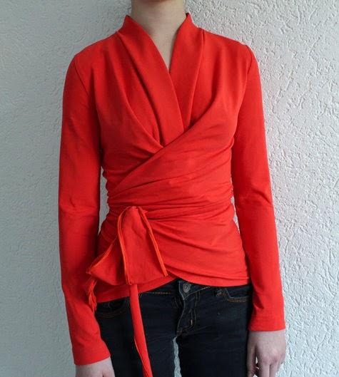 patrón de blusa envolvente de Burda