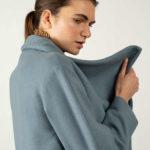 Patrón de abrigo para mujer con solapas grandes